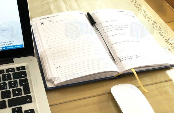 Agenda diaria de escritorio empastada el mejor complemento
