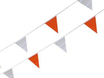 Linea de banderines de seguridad naranja con blanco